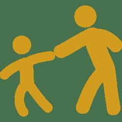 Child dragging his father Page Parentalité